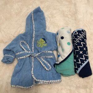 Cuddle time/cloud island bath robe and towels